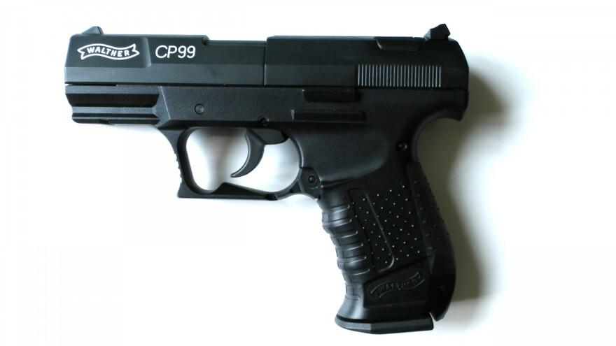 Walther-gun-1.jpg