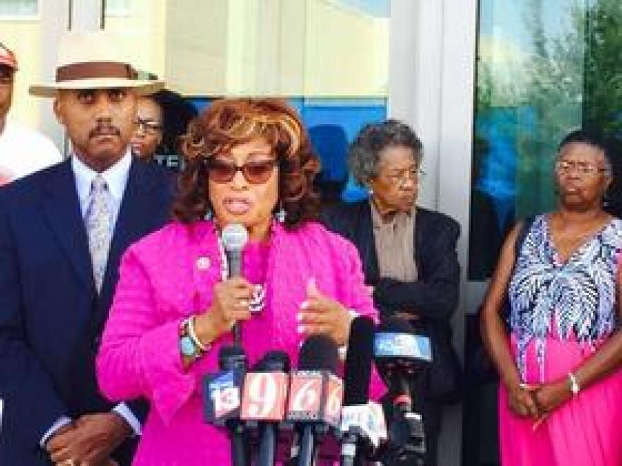 U.S. Rep. Corrine Brown announces her federal lawsuit to block new district maps.