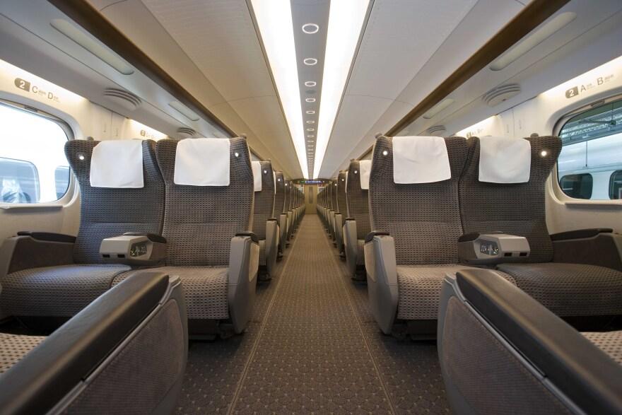 shinkansen_trains_in_japan.jpg