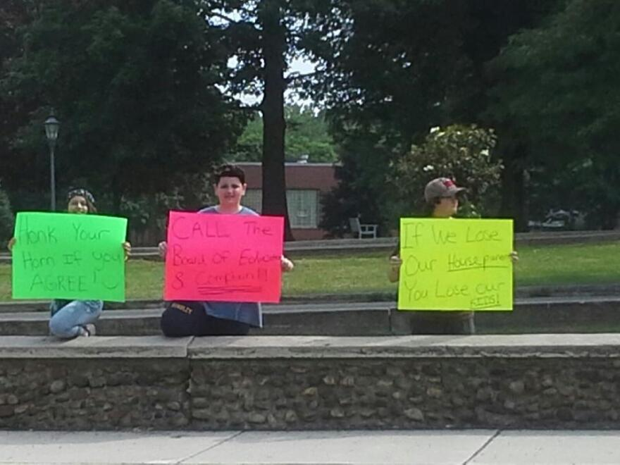 deafblindprotest.jpg