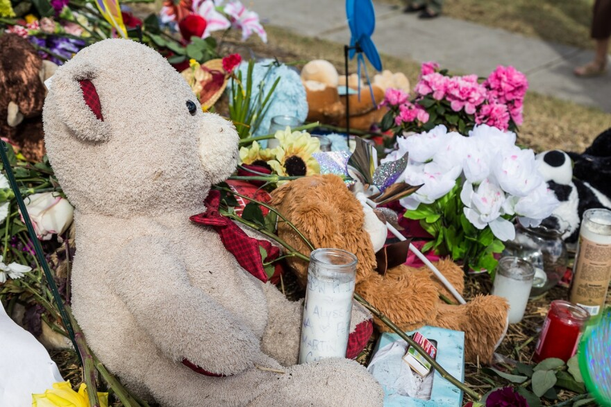 Memorial of Marjory Stoneman Douglas High School shooting.
