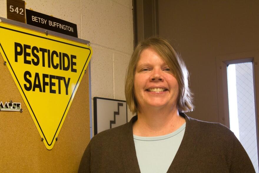 031219-am-Pesticides-BetsyBuffington.jpg