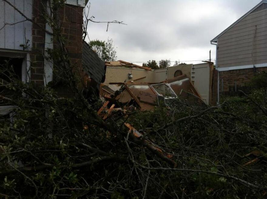 1-TornadoDamageNWS.jpg