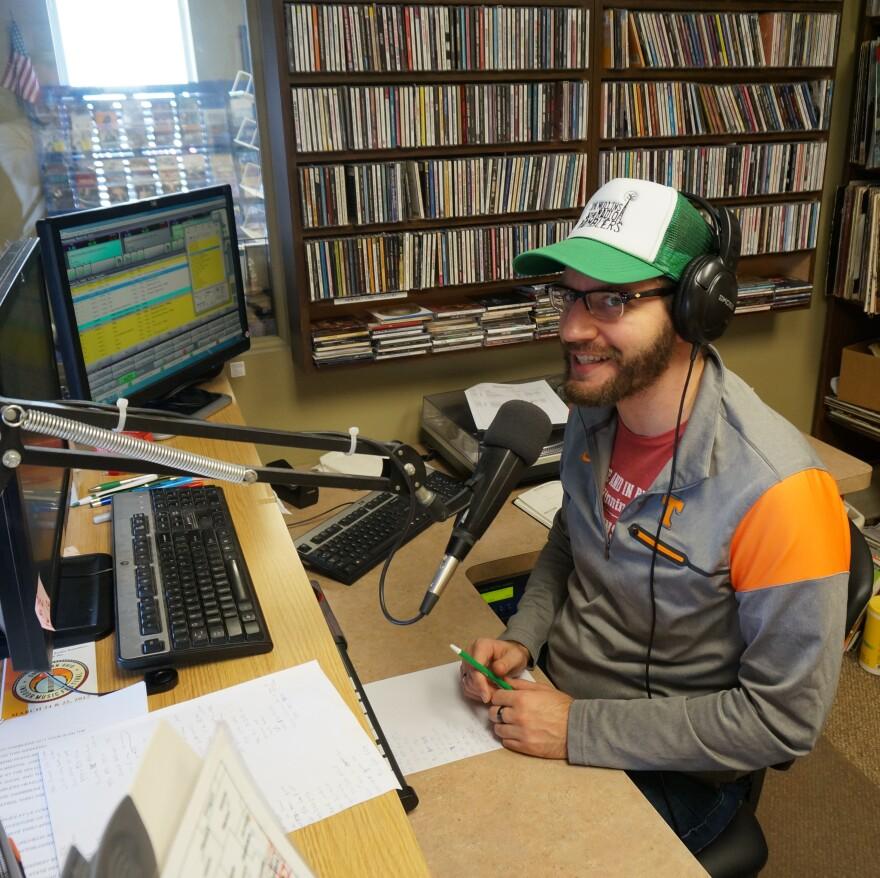 Daniel Mullins hosts the Tradin' Post at WBZI