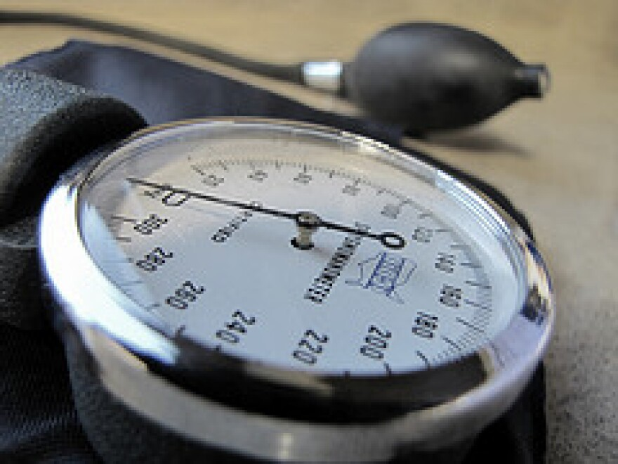 sphygmomanometer_by_jasleen_kaur.jpg