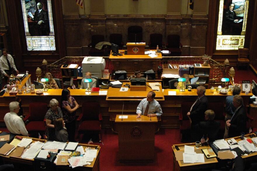 co-senate-budget-debate_cogop_04082011.jpg