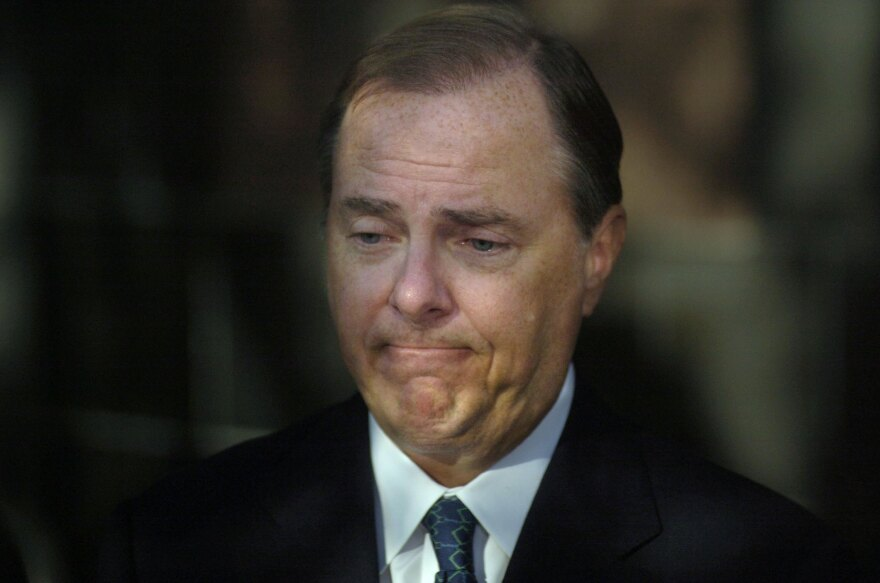 Former Enron Chief Executive Jeffrey Skilling outside of the Bob Casey United States Court House in Houston in 2006.