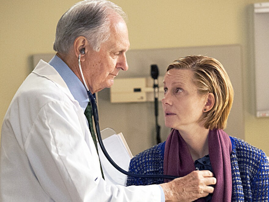 Laura Linney and Alan Alda star in <em>The Big C</em><em>, </em>now in its fourth season on Showtime. Linney took on the role not long before her own father died of cancer.