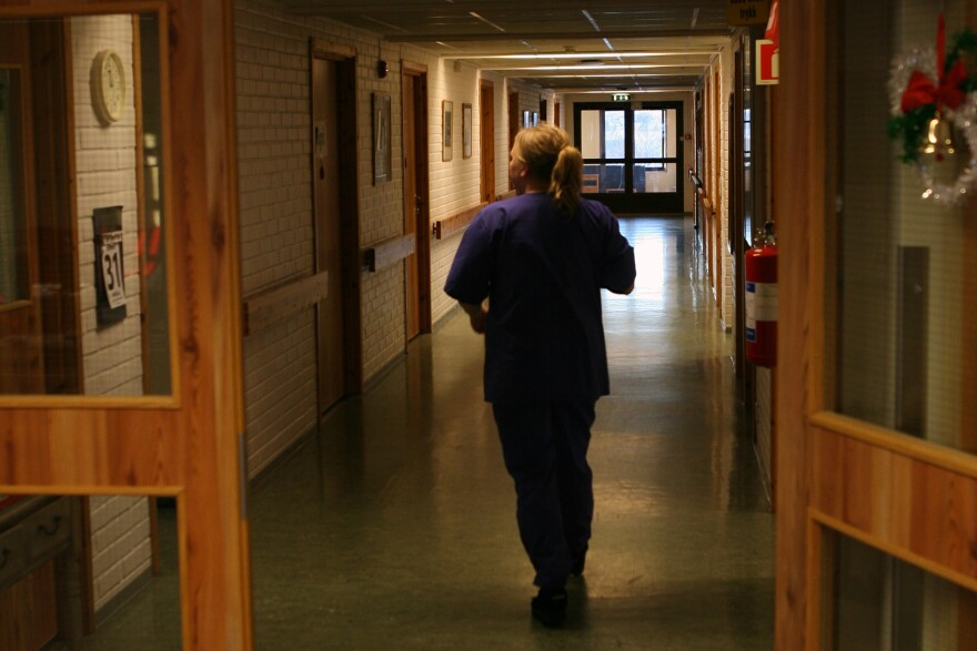 nursing_home_corridor_thomas_bjorkan_cc-by-sa.jpg