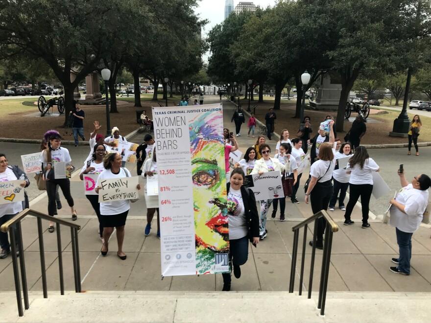 womens_dignity_rally_1.jpg