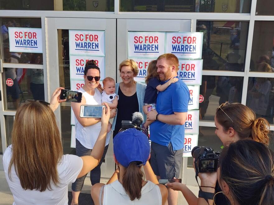 Elizabeth Warren posed for selfies after her rally in Rock Hill.