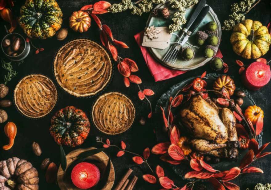 thanksgiving table stock.png