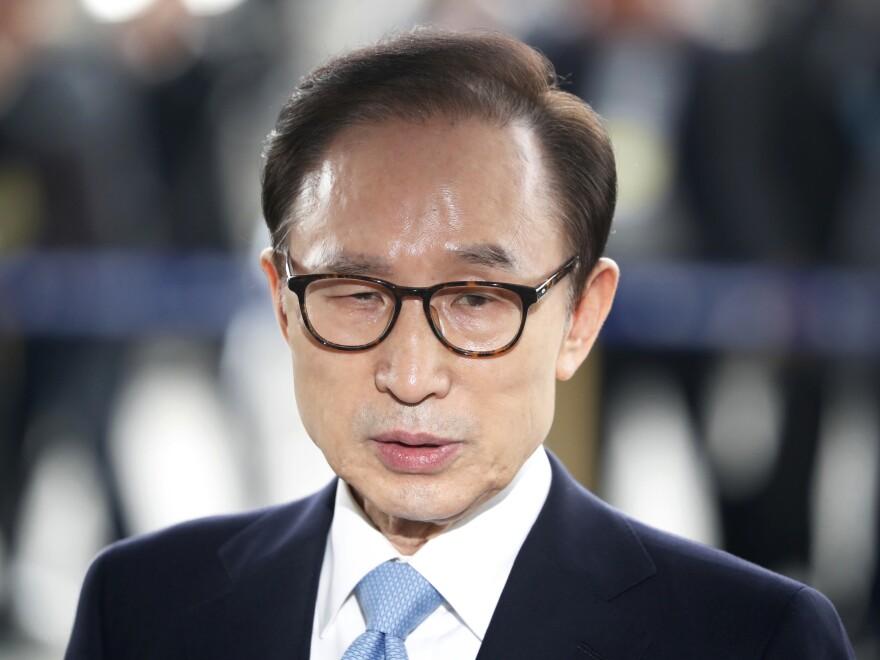 Former South Korean President Lee Myung-bak, seen last week outside the Seoul Central District Court prosecutors' office.