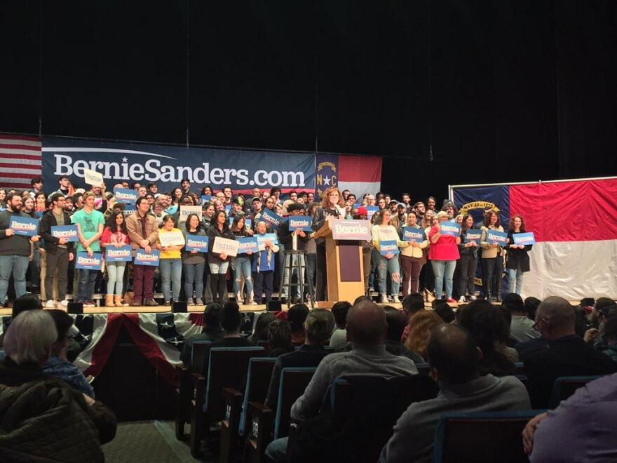 Susan Sarandon at Bernie Sanders rally