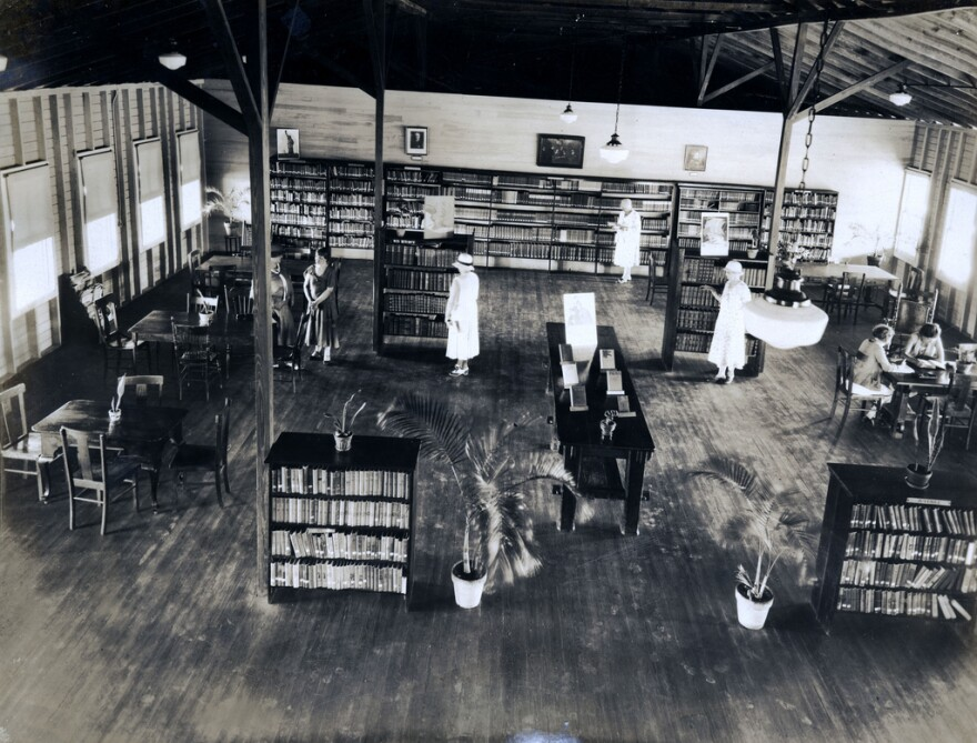 1930s_knights_of_columbus_library.jpg
