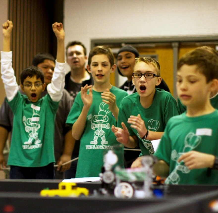 lego_league_green_shirts.jpg
