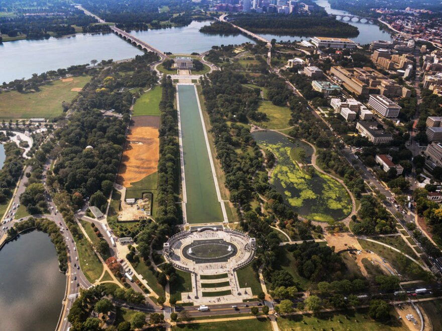 To see the National Portrait Gallery's <em>Out of Many, One</em> in its entirety, visitors must take to the air above the National Mall in Washington, D.C.