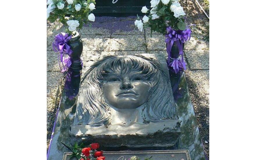 Selena's grave in Corpus Christi.