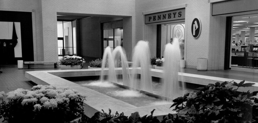 fountains_opening_day.jpg