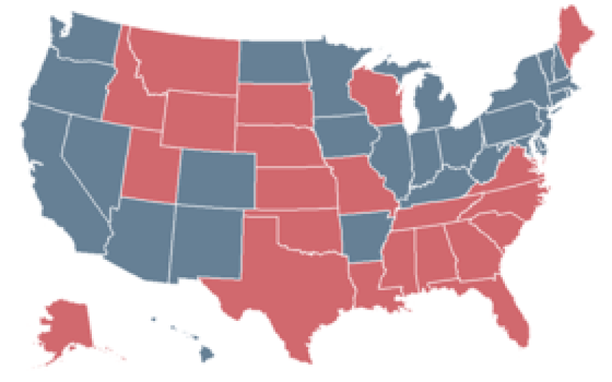 There are 28 expansion states (blue) and 22 non-expansion states (red).