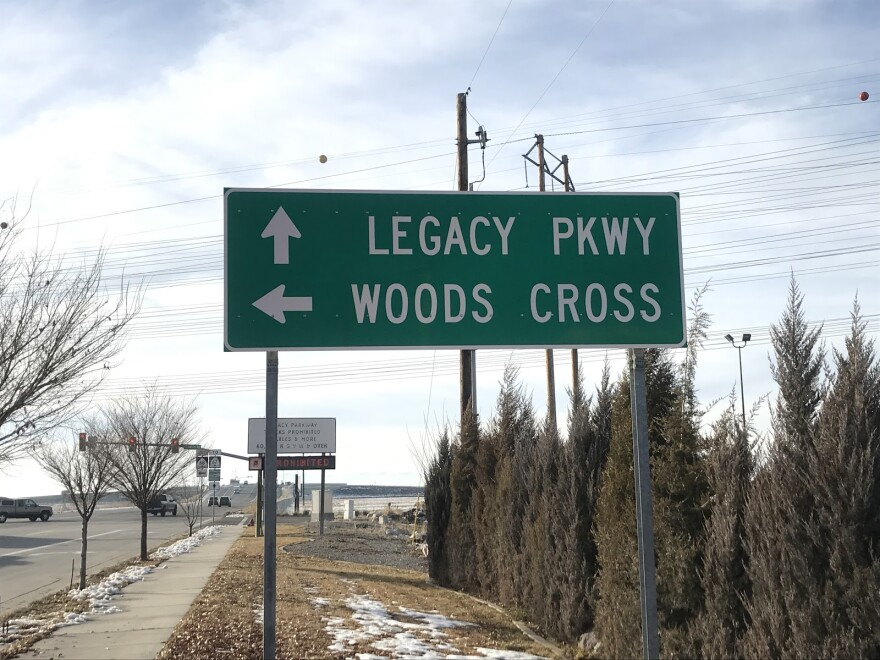 Photo of Legacy Parkway sign.