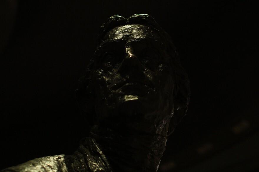 ominous_statue.jpg