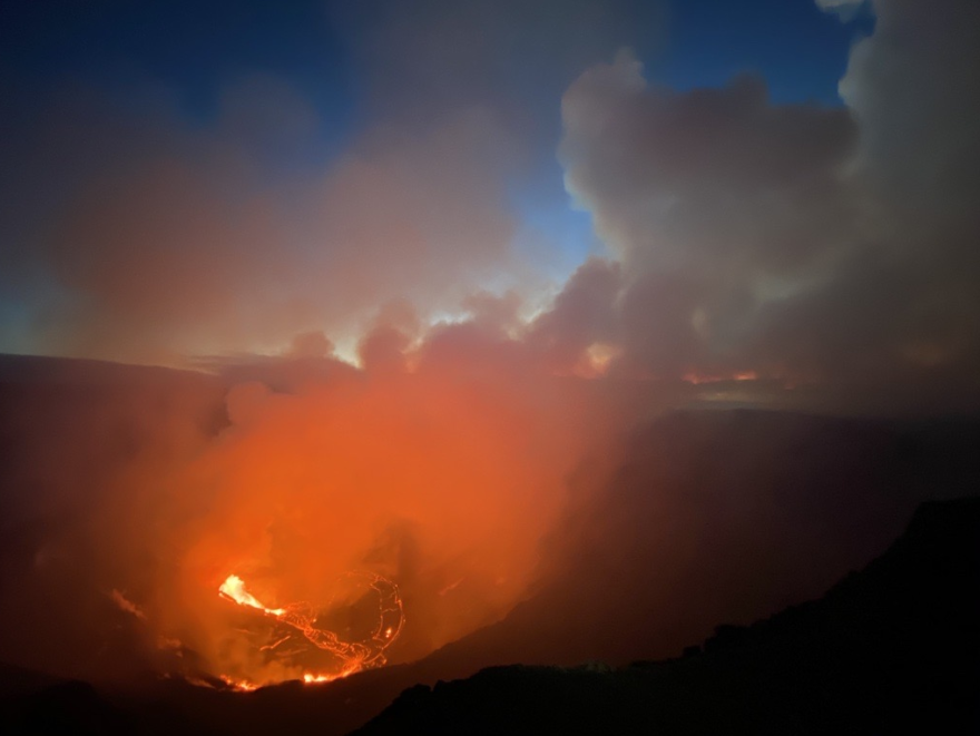 Sunrise at the new eruption site in Kīlauea caldera on Dec. 21.