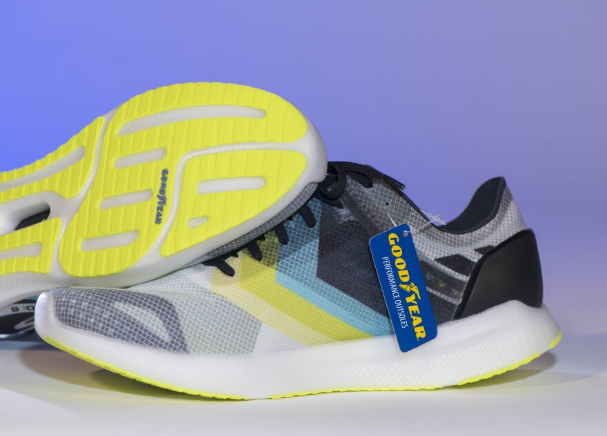 a picture of the Skechers GOrun shoe