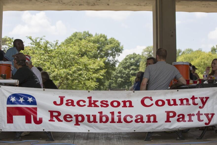 072518_aoh_JacksonCountySocial_Sign.jpg