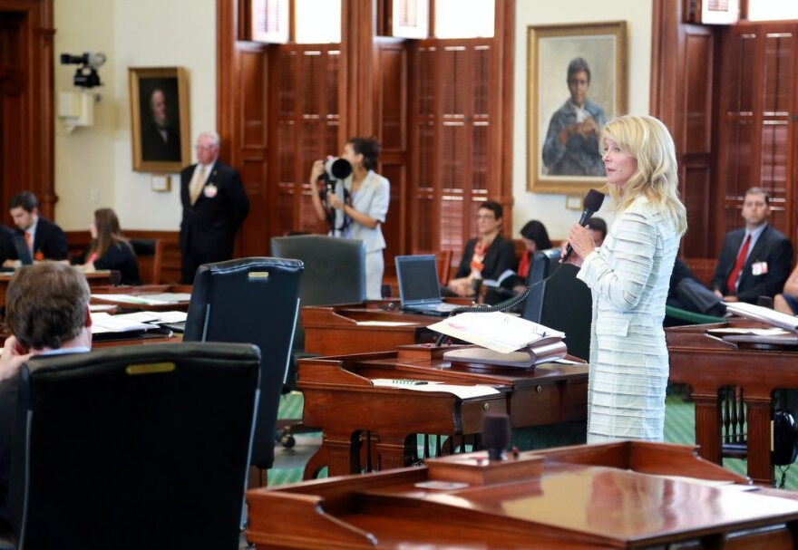 Wendy_Davis_filibuster_0.JPG