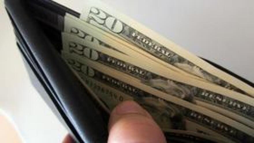 MoneyWalletMGN0907.jpg