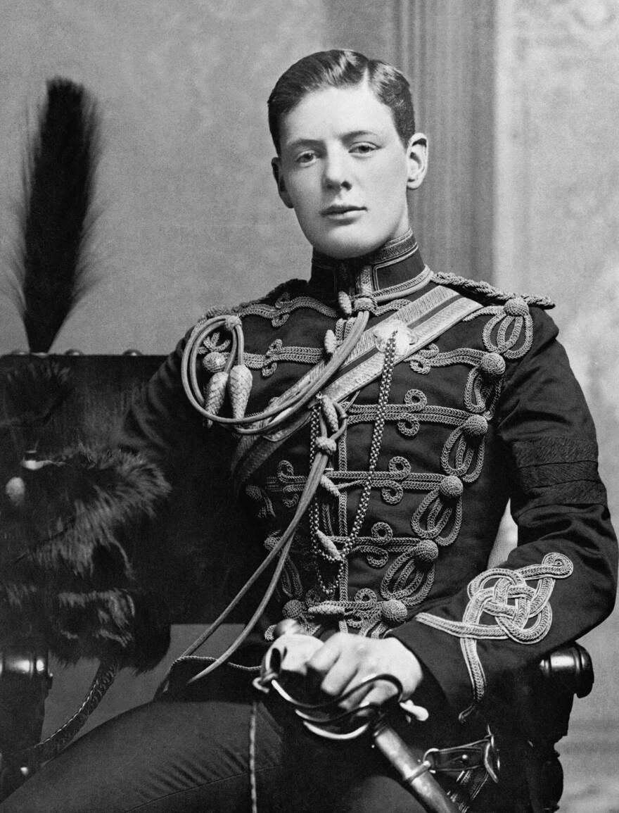 lt._winston_churchill_-_4th_queen_s_own_hussars_0.jpg