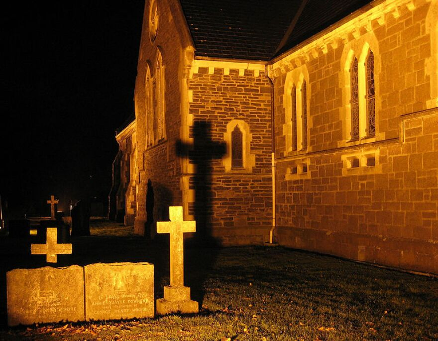 769px-Cross_shadow_on_St_Peter's_Church.jpg