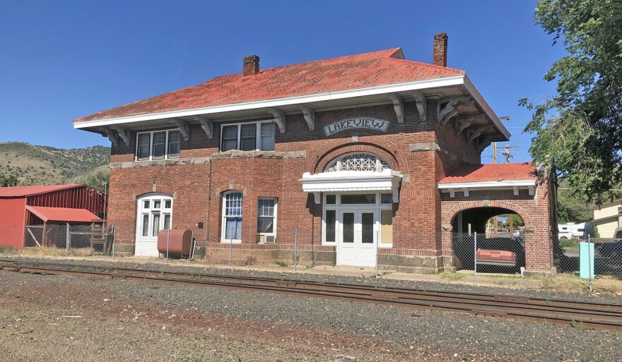 Lakeview Train Station N C O railway.jpg