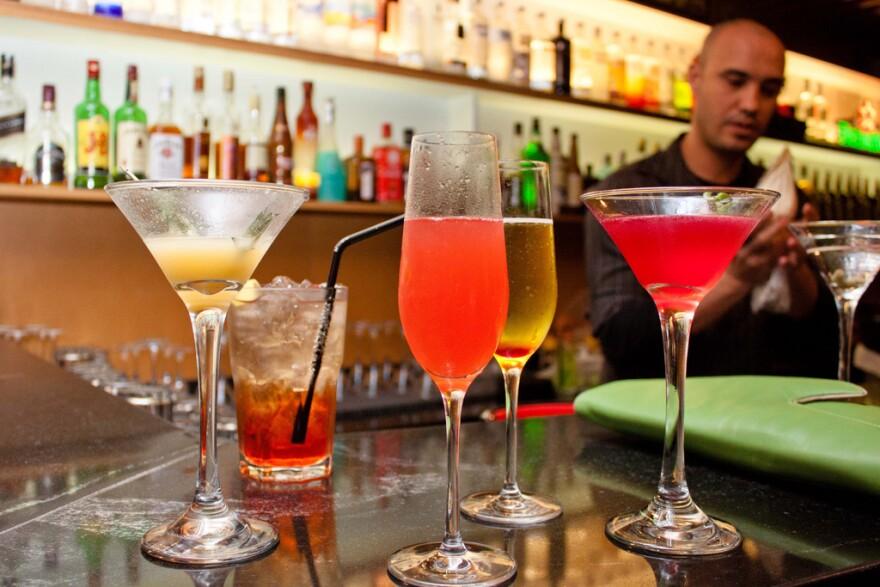 cocktails_public_domain.jpg