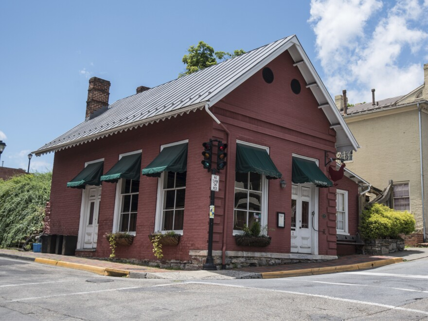 The owner of The Red Hen in Lexington, Va., asked White House press secretary Sarah Sanders to leave Friday night. It is not the first time politics has played a role in Trump aides' public dinner plans.