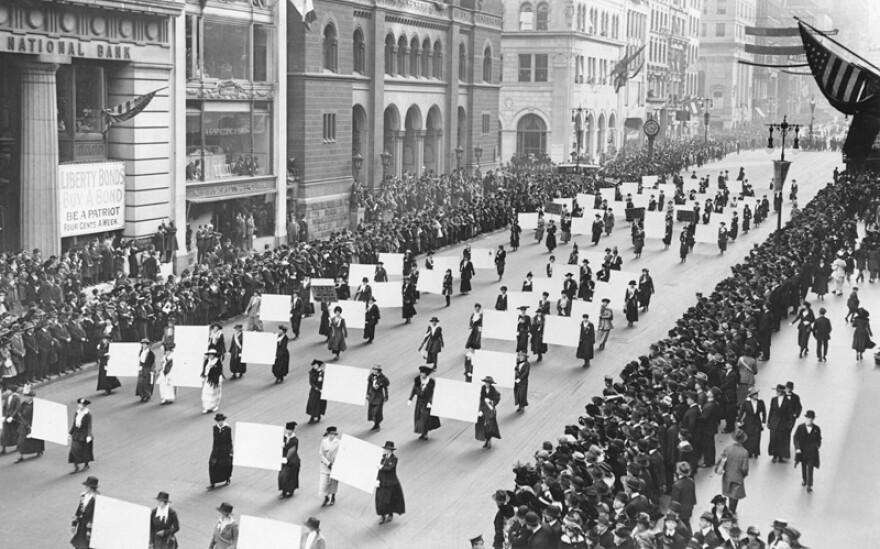 suffragists_march_october_1917.jpg