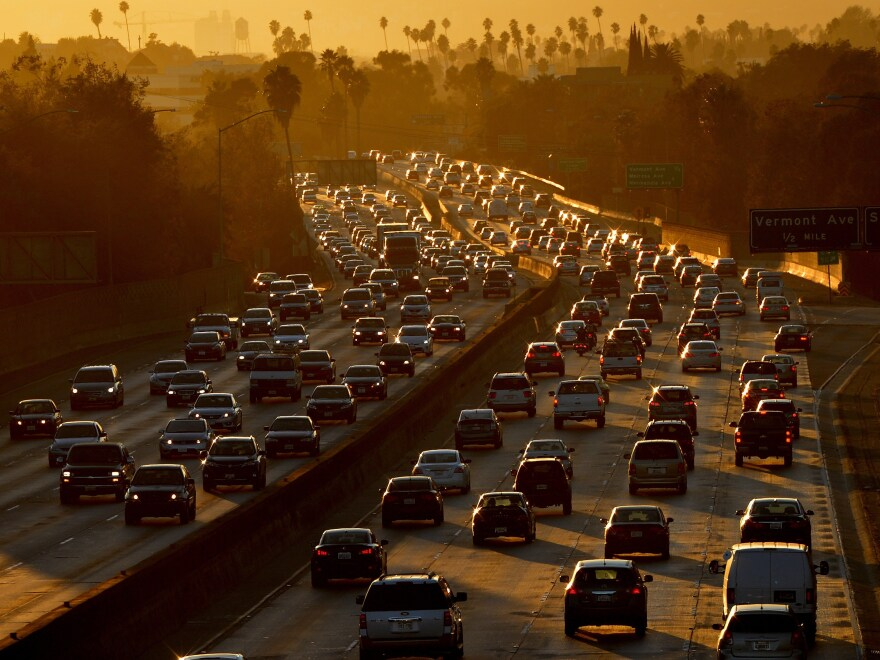 Traffic clogs Highway 101 as people leave work in Los Angeles on Aug. 29, 2014.