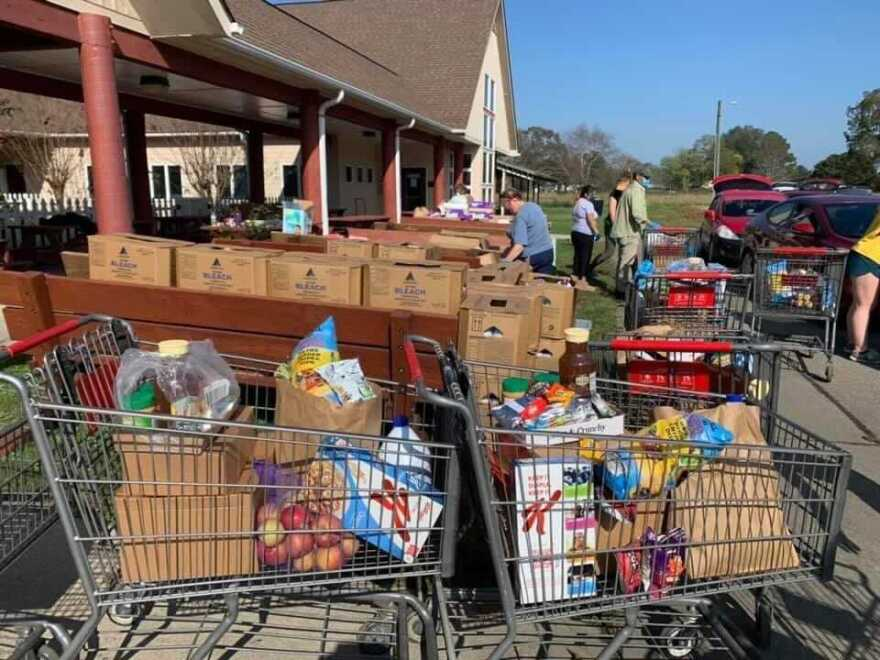 Episcopal Farmworker Ministry food giveaway