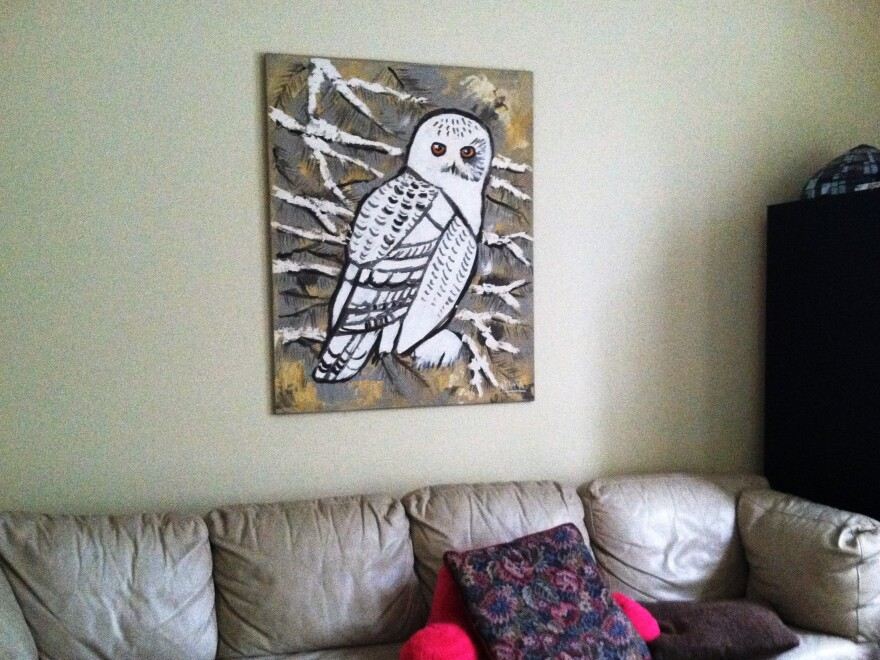 Athena_livingroom_whiteowl_0.jpg