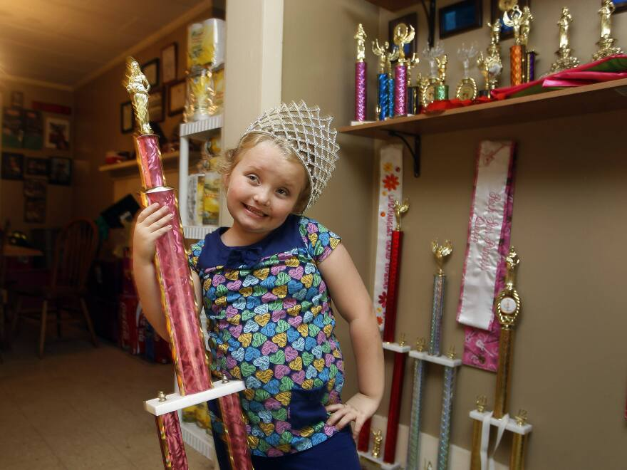 Seven-year-old beauty queen Alana Thompson and her family are featured on the popular American show <em>Here Comes Honey Boo Boo</em>.