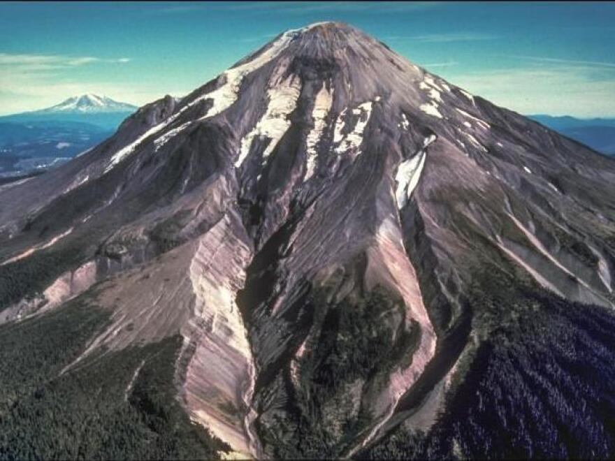 Before the eruption of May 18, 1980, Mount St. Helens' elevation was 2,950 meters (9,677 feet).
