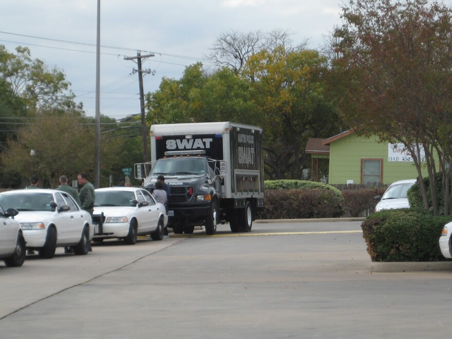 APD_SWAT_Truck.jpg
