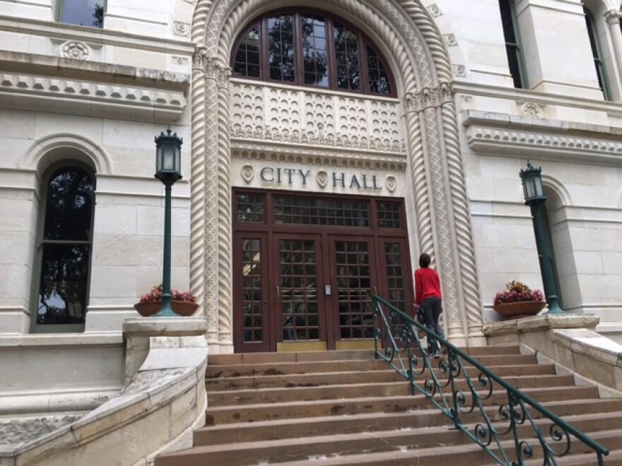 city_hall_photo.jpeg