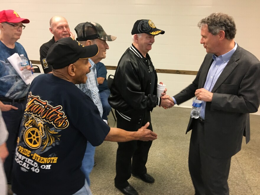 photo of Sherrod Brown with Teamsters
