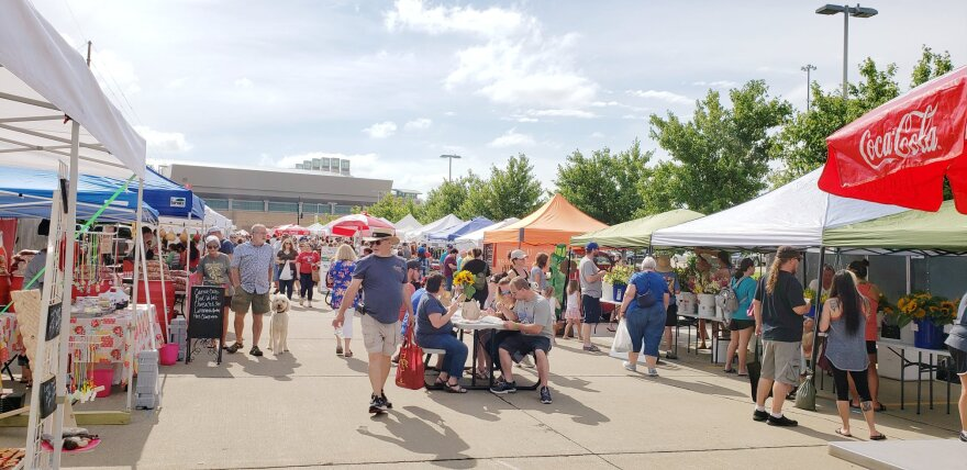 2019_Sioux_City_Farmers_Market.jpg