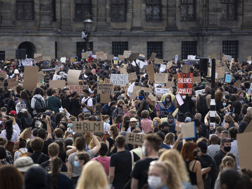 Thousands of protesters gathered on Monday, from various different Amsterdam anti-racism organizations, including Black Lives Matter.