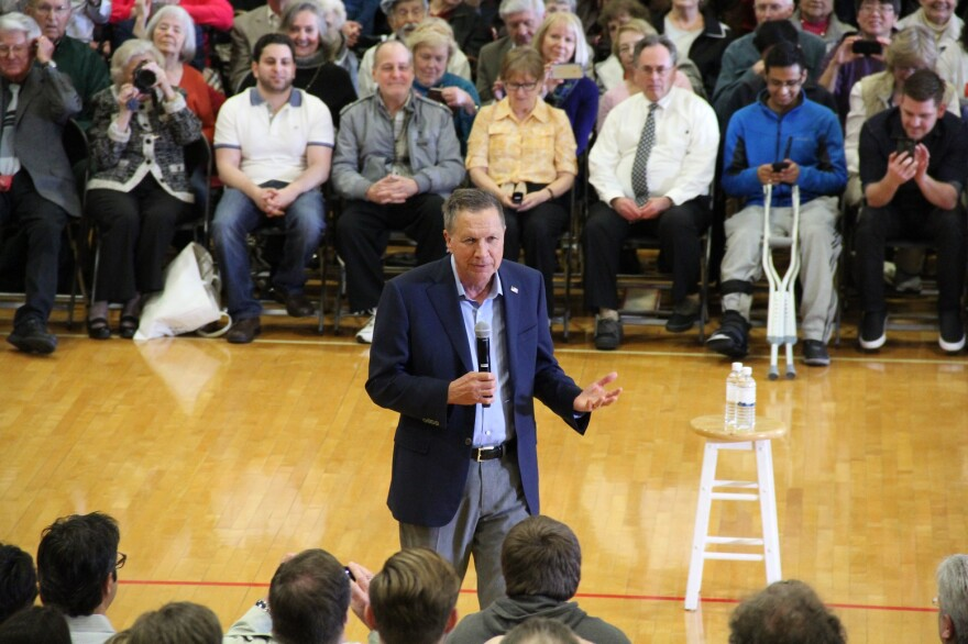 Ohio Gov. John Kasich is trying to appeal to centrist voters in Missouri and Illinois.
