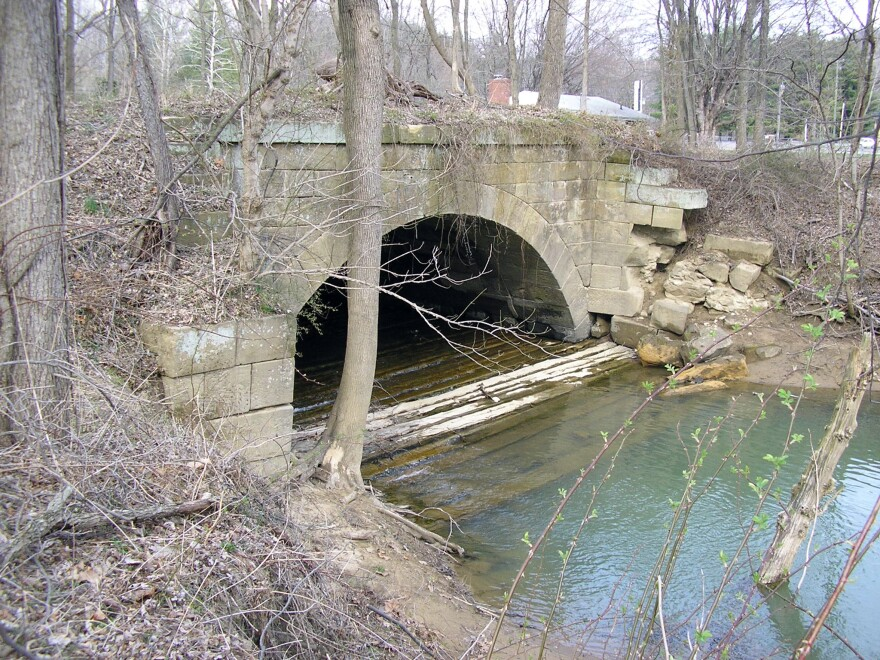 Arch_at_Old_Town_Creek_Best.jpg