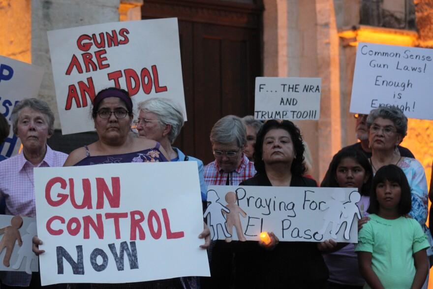 El-Paso-Vigil-San-Antonio-PALACIOS-080419.JPG